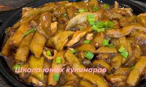 Надо ли баклажаны чистить от кожуры при тушении или приготовлении других блюд, можно ли есть их со шкуркой